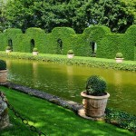 france-picturesque-jardins-du-manoir-d-eyrignac-in-dordogne (8)