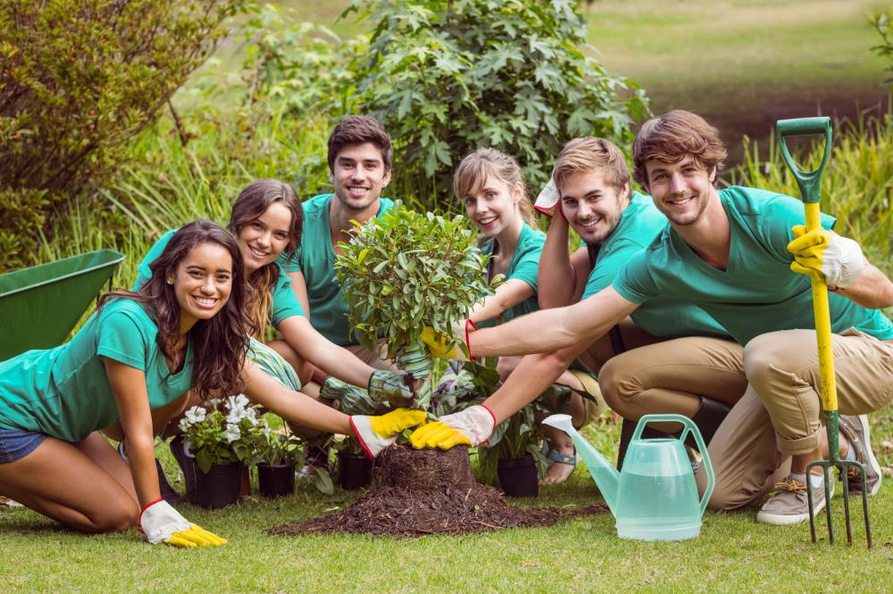 happy-friends-gardening-for-the-community