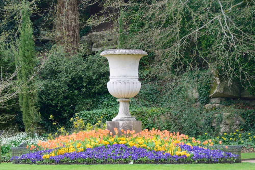 large-outdoor-pot-in-classical-garden