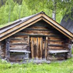 old-traditional-wooden-cabin
