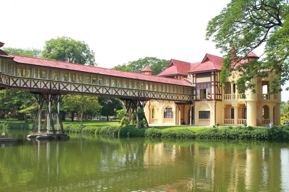 sanam-chan-palaceking-rama-6-nakhon-pathom-thailand