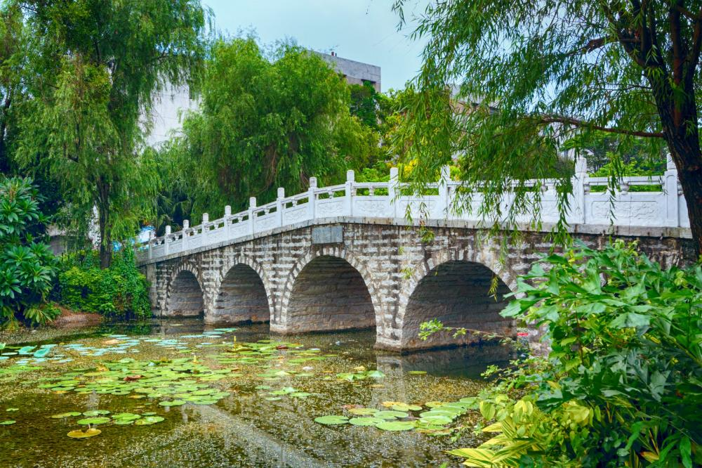stone-bridge-in-an-asian-garden